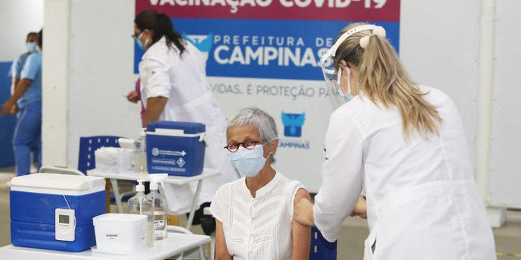 A vacinação contra covid ocorre em cinco pontos de Campinas. Foto: Divulgação