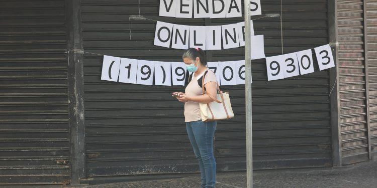Campinas entrou na fase emergencial do Plano São Paulo, a mais restritiva desde o início da pandemia, com restrição de funcionamento para muitos estabelecimentos - Foto: Leandro Ferreira/Hora Campinas