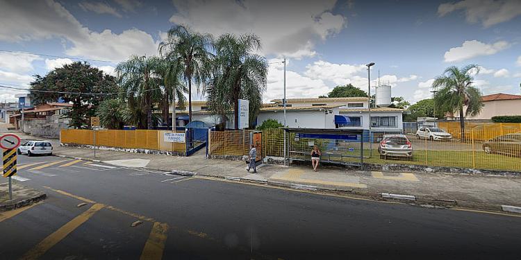 O Centro de Saúde do Jardim Aurélio ficará aberto neste final de semana para atender pacientes com suspeita de Covid. Foto: Google Maps