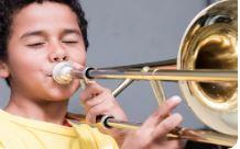 Os selecionados para aulas de instrumentos do Projeto Guri precisam frequentar a escola - Foto: Divulgação