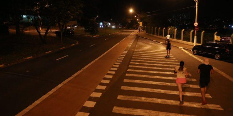 Avenida Heitor Penteado, que contorna a Lagoa do  Taquaral e que é bastante utilizada para as práticas esportivas e de lazer Foto: Leandro Ferreira/Hora Campinas