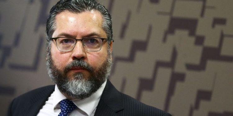 O ministro das Relações Exteriores, Ernesto Araújo, durante audiência no Senado: pedido de demissão - Foto: Marcelo Camargo Agência Brasil