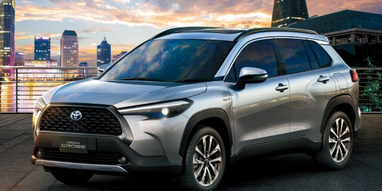 O derivado do sedan sucesso da marca japonesa terá duas versões com o motor flex de 2,0 litros  e duas versões híbridas. Foto: Divulgação