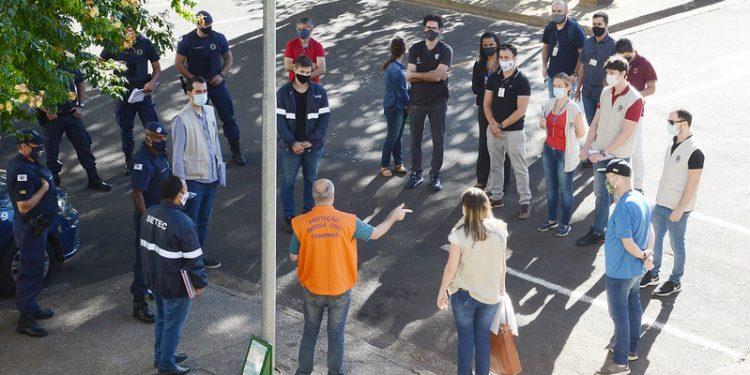 Operação da Prefeitura visa conscientizar população sobre a pandemia e orientar sobre medidas sanitárias. Foto: Divulgação