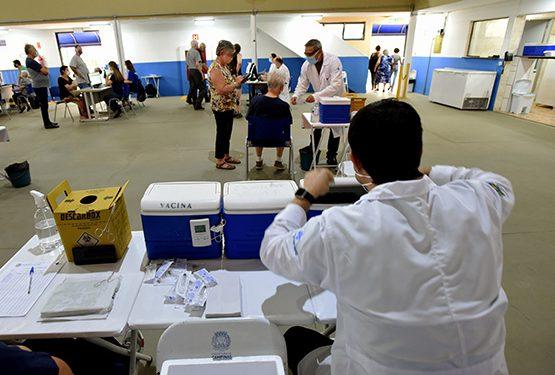 Posto de vacinação instalado em Campinas: grupo atual é a partir dos 68 anos. Foto: Divulgação