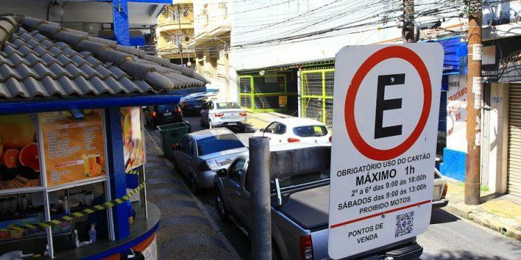 Motoristas de Campinas estão liberados do valor de R$ 4,00 correspondente ao cartão da Zona Azul Foto: Leandro Ferreira/Hora Campinas