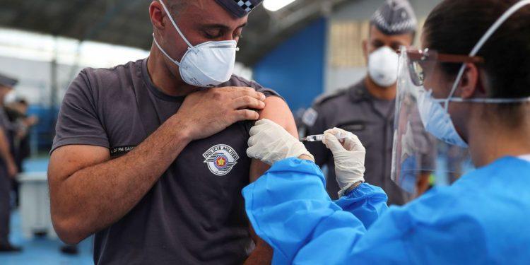 O total de casos acumulados de Covid-19 no Brasil soma 13.599.994. Foto: Arquivo