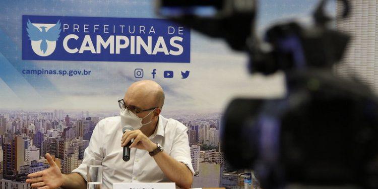 O prefeito Dário Saadi durante coletiva sobre as medidas de flexibilização em Campinas. Foto: Manoel de Brito/PMC