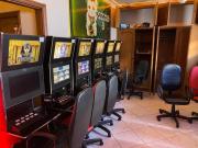 A casa, que fica perto da Pedreira do Chapadão, estava equipada com 58 máquinas preparadas para o jogo eletrônico Foto: Divulgação