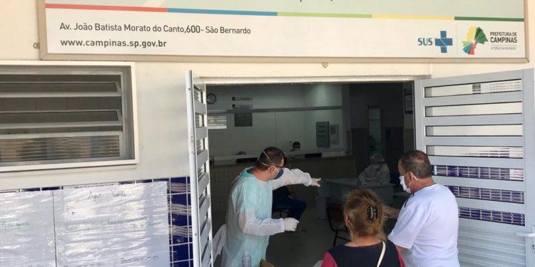 O Centro de Saúde do São Bernardo ficou aberto nos três dias do feriado. Foto: Carlos Bassan/PMC