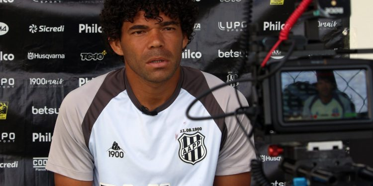 O jogador Camilo, da Ponte Preta - Foto: Ponte Press/Diego Almeida