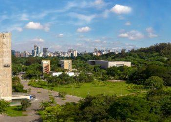 Praça do Relógio - Célia Bastos/USP Imagens