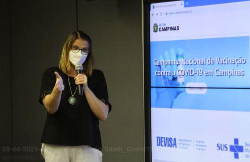 A diretora Andrea Von Zubem: vacina prioritária é a da Covid-19, depois procura-se a da Influenza Foto: Divulgação