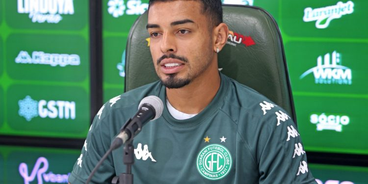 Bidu tem como característica ser um lateral ofensivo que chega ao ataque. Foto: Thomaz Marostegan/Guarani FC