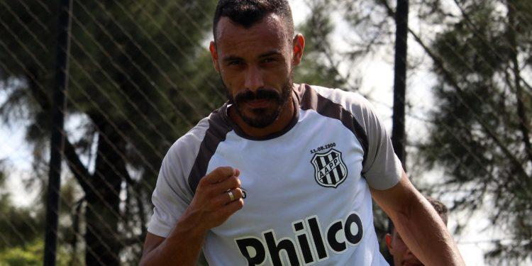 Moisés atuou como titular em todas as seis partidas que a Ponte Preta disputou. Foto: Ponte Press/Diego Almeida