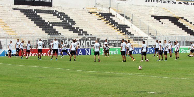Jogadores da Ponte Preta participam de treinamento - Foto: Ponte Press/Diego Almeida