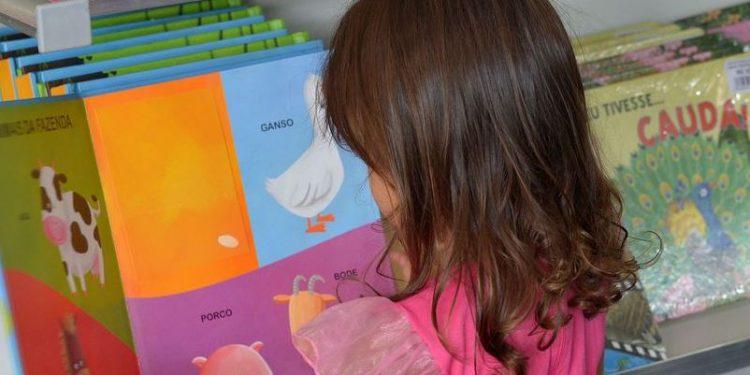 Especialistas consideram estímulo à leitura fundamental para desenvolvimento infantil - Foto: Wilson Dias/Agência Brasil