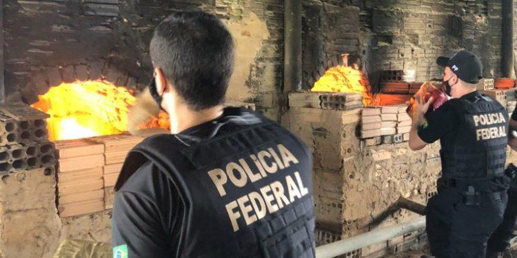 A Polícia Federal incinerou 66 kg de drogas apreendidas no fluxo de encomendas postais de Viracopos. Foto: Divulgação