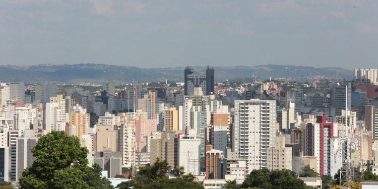 As projeções para 2022 indicam queda de 2,1% em comparação com 2021, para arrecadação de impostos como IPTU e ISSQN Foto: Leandro Ferreira/Hora Campinas