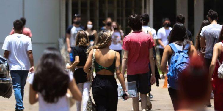 Estudantes que fizeram o Enem podem se inscrever no Sisu - Foto: Marcello Casal Jr/Agência Brasil