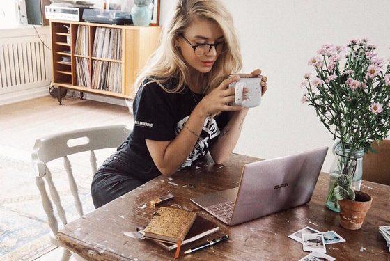 Moda streetwear invade home office pelo conforte, atitude e praticidade - Foto: Pinterest