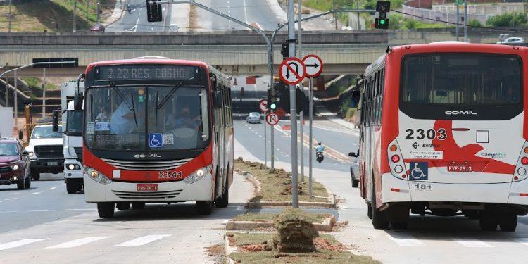 Circulação dos ônibus se adequa ao novo Toque de Recolher. Foto: Leandro Ferreira/Hora Campinas