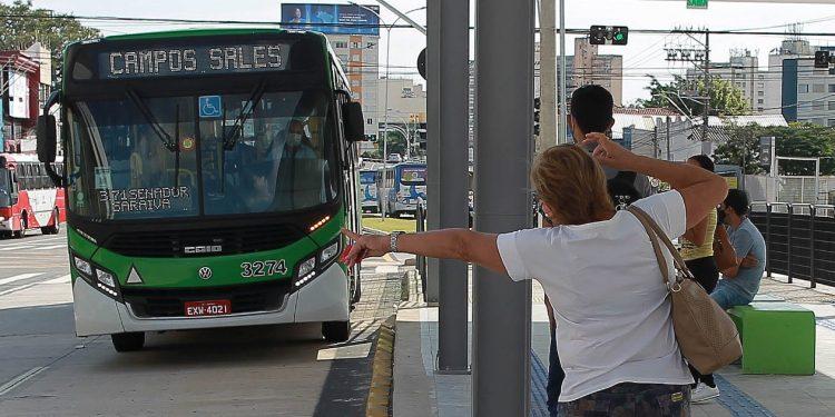 Motoristas de ônibus querem a categoria incluída entre as de vacinação prioritária. Os Agentes de Mobilidade Urbana também. Foto: Leandro Ferreira \ Hora Campinas