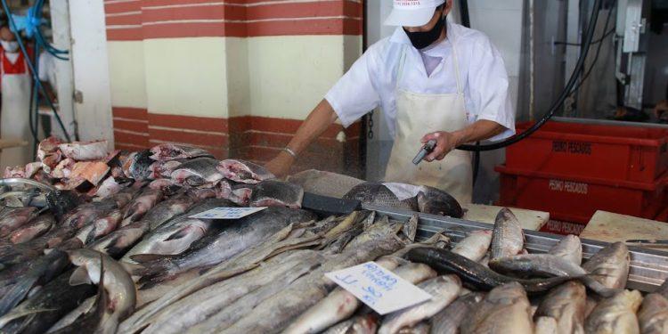 O Mercado Municipal funcionará nesta sexta-feira em horário especial. Foto: Leandro ferreira/AAN