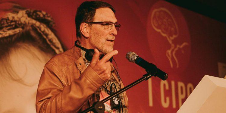 Um dos palestrantes é Peter Rosembaum, professor de Pediatria da McMaster University. Foto: Divulgação