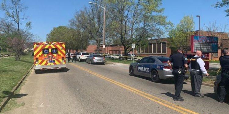 A polícia do condado  de Knoxville confirmou o tiroteio na escola nesta segunda: Foto: Reprodução Twitter