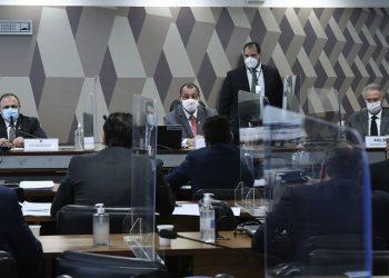 Pazuello afirmou que enquanto foi ministro, decidiu sozinho sobre estratégias contra a Covid. Foto: Edilson Rodrigues/Agência Senado