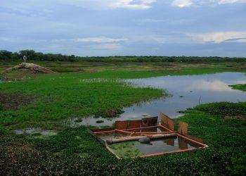 Barragem do Batalhão, em Cratéus (Ceará), é um dos reservatórios que abastecem a cidade cearense Foto: Fernando Frazão/Agência Brasil