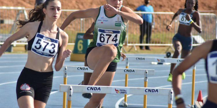 Ana Luisa no 400 metros com barreiras - Foto: Divulgação