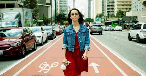 Débora Falabella brilha como protagonista do filme Foto: Divulgação