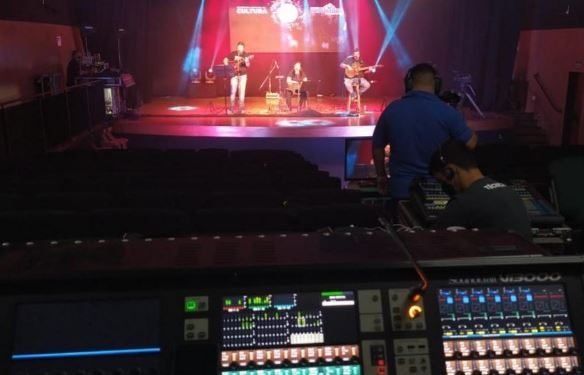 Gravações acontecem no palco do Centro Cultural Hermenegildo Pinto, o Piano, seguindo os protocolos de segurança - Foto: Divulgação/ Prefeitura de Indaiatuba
