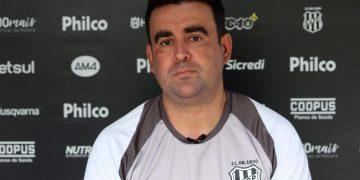 O treinador Fabinho Moreno, que já pensa na disputa do Troféu do Interior Foto: Diego Almeida/Ponte Press