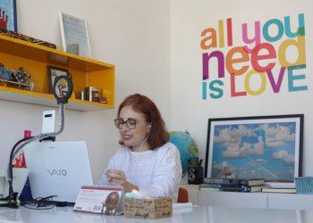 """A jornalista Claudia Carnevalli: """"Com o home office, não gasto tempo com deslocamento, fico mais produtiva e gerencio o tempo"""" - Foto: Leandro Ferreira/Hora Campinas"""