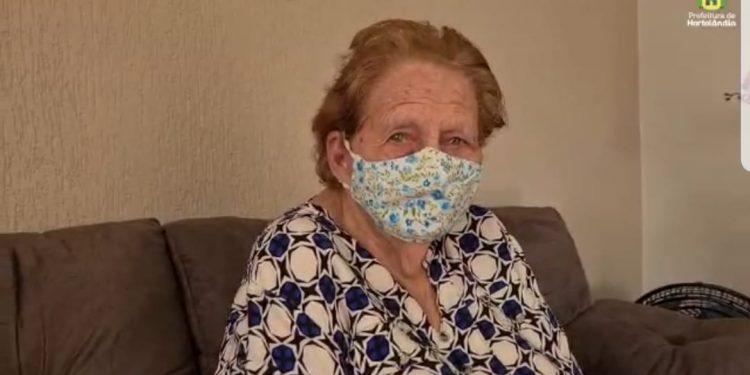 Dona Isabel dos Santos, 103 anos, mineira: vida de trabalho, lutando pelo sustento dos cinco filhos: amor, garra e superação Foto: Divulgação