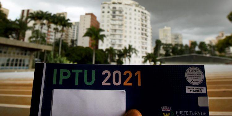 Contribuintes com parcelas de IPTU e Taxa de Lixo deste ano, em aberto, receberão as mensagens da Prefeitura. Foto: Divulgação