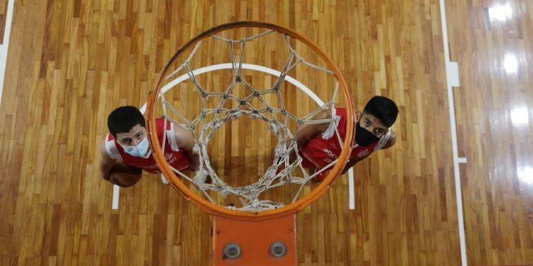 Gustavo (esq.) e Jonathan, jogadores do Regatas/Akdmia convidados para o Camp de dez dias da NBA. Foto: Leandro Ferreira/Hora Campinas