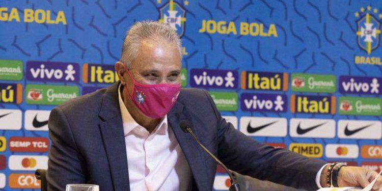 Técnico Tite durante o anúncio da relação de convocados - Foto: Lucas Figueiredo/Seleção Brasileira