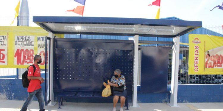 Modelo dos novos abrigos para passageiros do transporte urbano. Foto: Divulgação