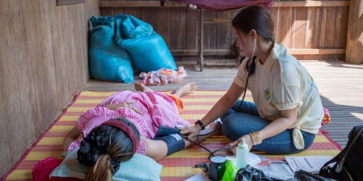 Parteiras são essenciais para prestar qualidade de cuidados, em todos os cenários, a nível global - Foto: Unicef /Antoine Raab