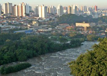 Piracicaba, banhada pelo rio de mesmo nome, é hoje uma metrópole com mais de 400 mil habitantes e referência econômica para milhares de moradores do entorno Foto: Divulgação