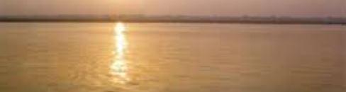 O sagrado Rio Ganges: indianos não estão conseguindolidar com as cremações de quase 4 mil pessoas que morrem a cada dia devido à pandemia de Covid-19 no país Foto: Divulgação