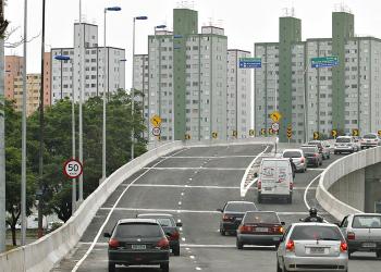 Veículos acessam viaduto na Capital: campineiro deve ficar atento aos horários e final de placas Foto: Secretaria Municipal de Mobilidade e Transportes/Divulgação