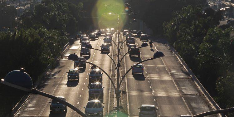 Trânsito em Campinas, cidade que observou explosão da frota de veículos e de motos nas últimas décadas: desafio é achar ponto de equilíbrio nesse frenesi metropolitano Foto: Leandro Ferreira/Hora Campinas