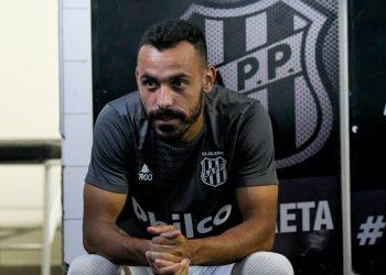 Ponte Preta não poderá contar com o atacante Moisés, que viajou para Santa Catarina (Ponte Press/Álvaro Jr.)