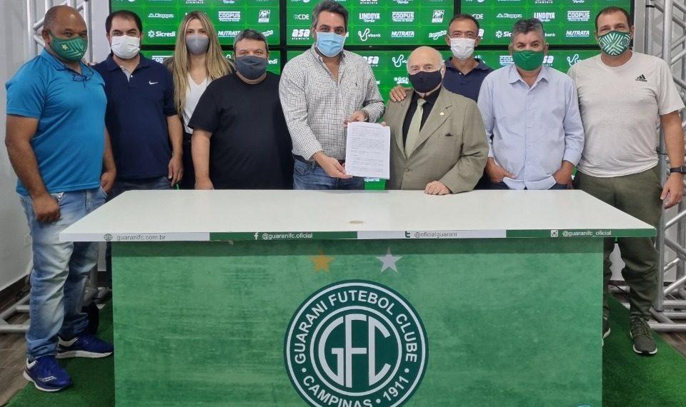 Diretoria do Guarani no anúncio do novo CT - Foto: Depto de Comunicação/Guarani FC