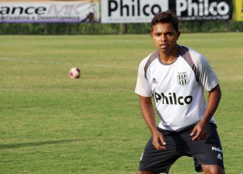 A falta de ritmo joga contra Renatinho, que vinha de seis meses sem entrar em campo. Foto: Ponte Press/Diego Almeida
